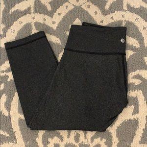NWOT Lululemon Grey Cropped Leggings size 6